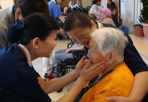 Charity_SeniorHome_Toronto01